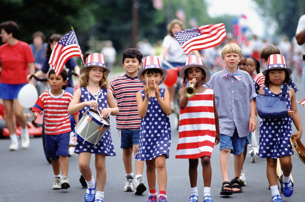 20 May 1999 --- Independence Day parade --- Image by © Ariel Skelley/CORBIS
